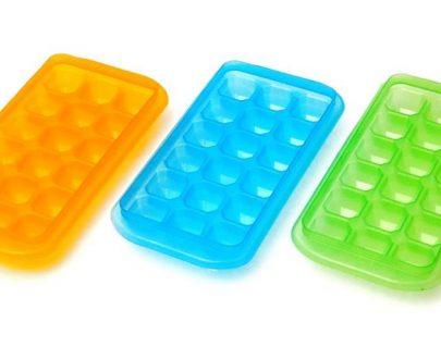 Crystal Ice Cum Chocolate Tray (Random colour)